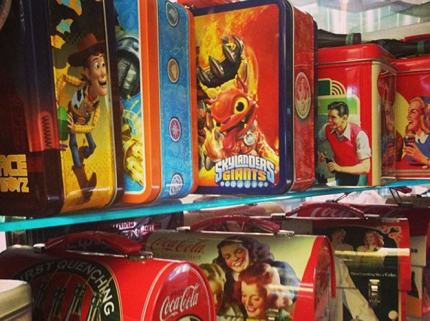 tin_lunch_boxes_new